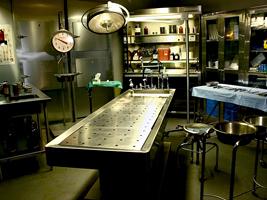 Salle d'autopsie